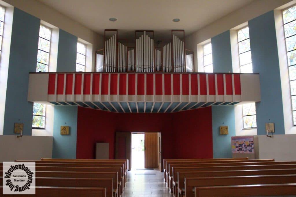 Zur Heiligsten Dreieinigkeit, Halle, Innen