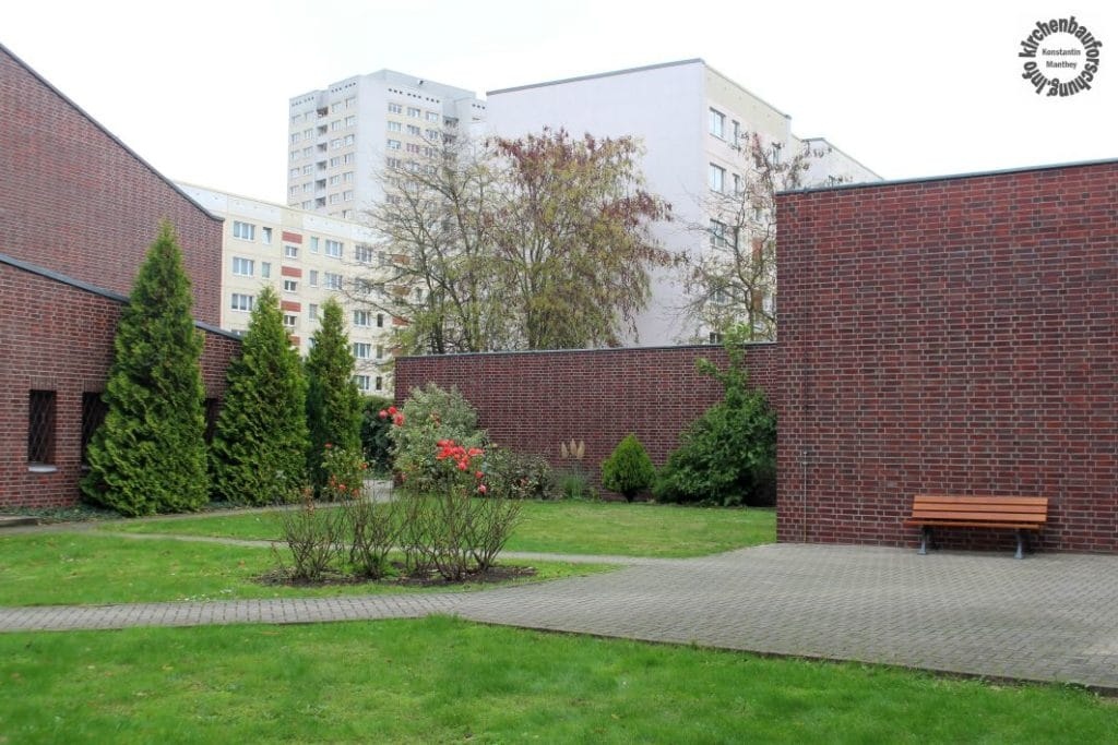 Kirchenbau, Plattenbau, DDR, Ost-Berlin